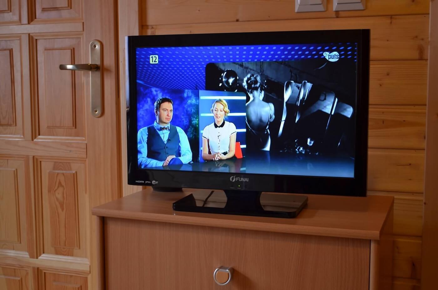 Tv w domku letniskowym w Wiciu