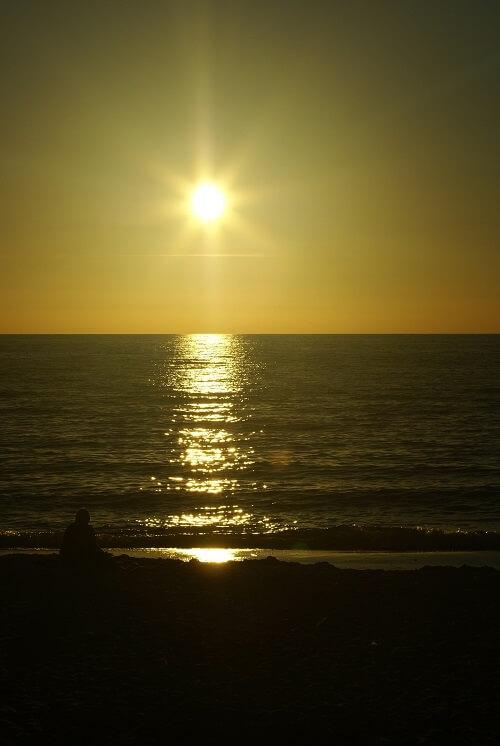 Zachód słońca na plaży w Wiciu